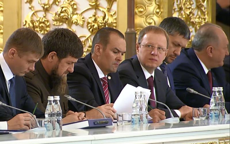 Губернатор Виктор Томенко рассказал о планах дальнейшей работы добровольческих объединений Алтайского края