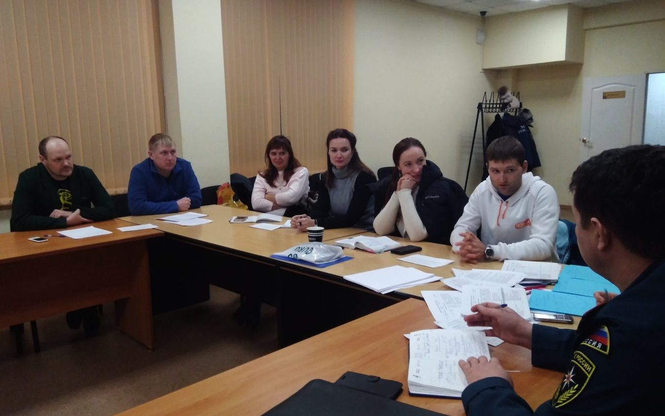 В Краевом дворце молодежи обсудили развитие молодежного туризма
