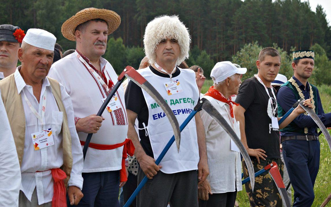 Жителей Алтайского края приглашают стать участниками международного «Турнира косарей»