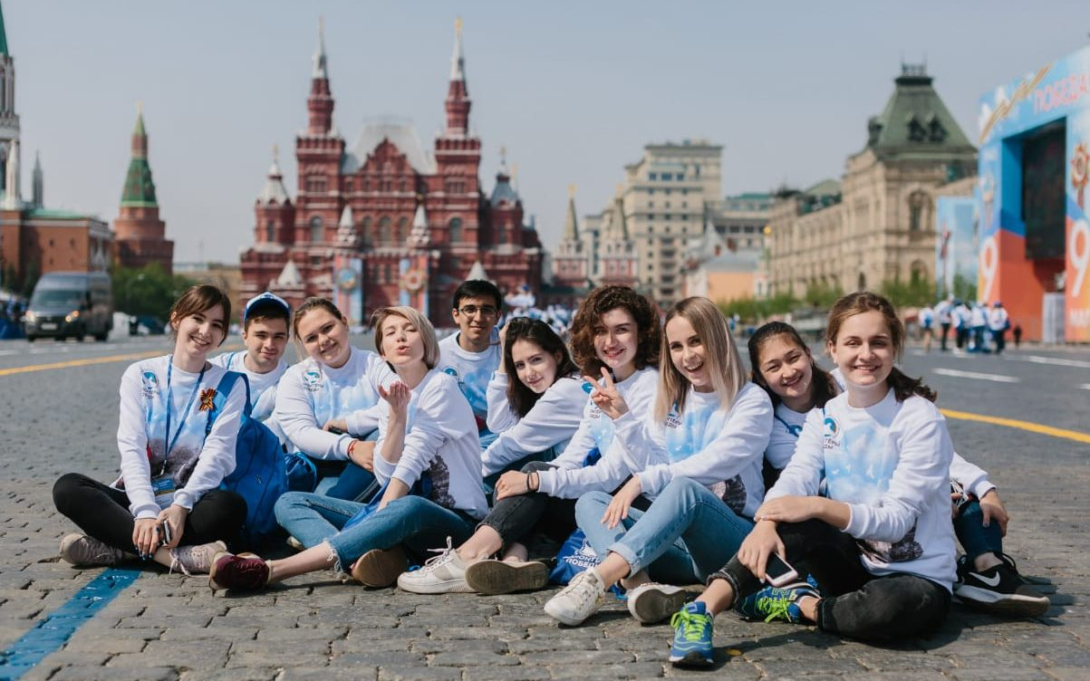 Студентки Алтайского филиала РАНХиГС победили в международном конкурсе «Послы Победы»
