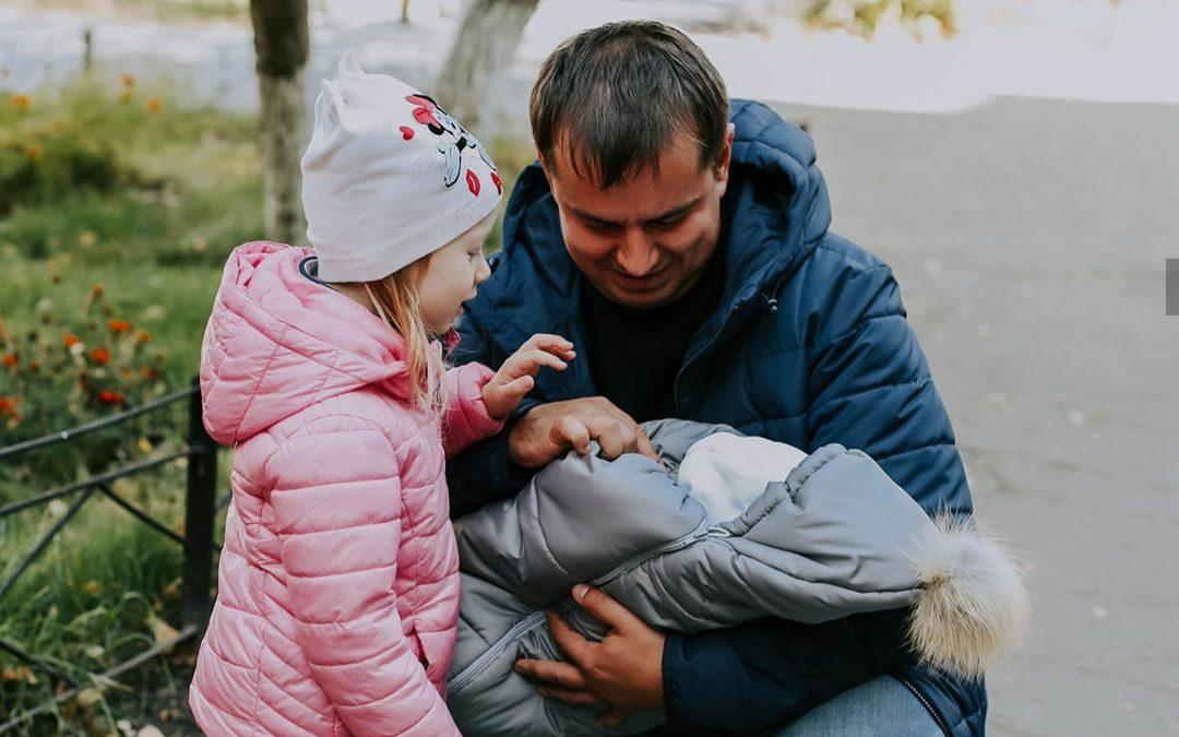 «Долгожданная встреча»: алтайским семьям предлагают поделиться в соцсетях первыми снимками новорожденных