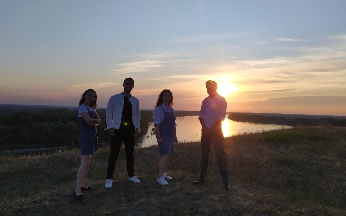 Гимн России в исполнении молодёжи Алтайского края. Опубликовано видео