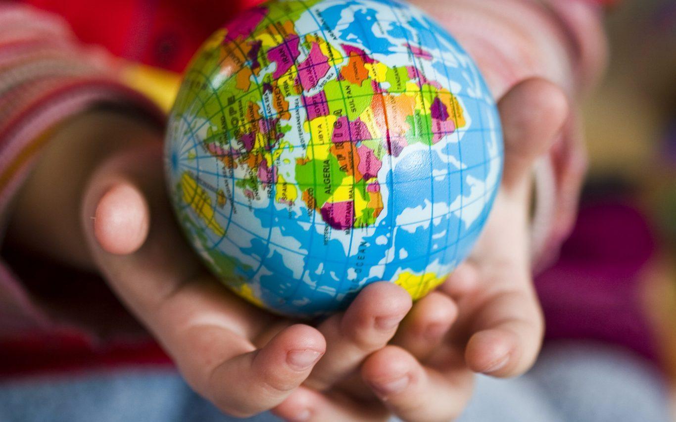 Юные жители Алтайского края могут стать участниками Всероссийского конкурса «Ребёнок-посол мира»