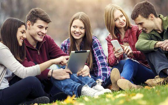 Онлайн-опрос: меры поддержки молодёжных, добровольческих и патриотических организаций