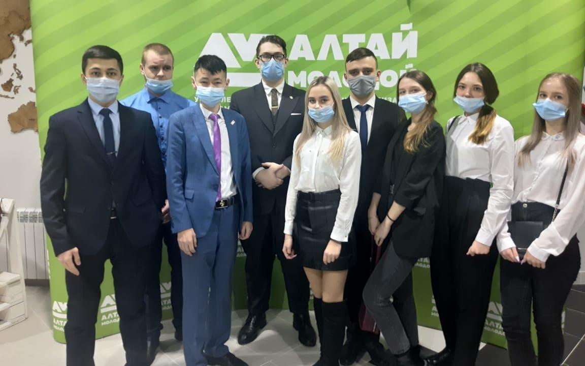 Алтайская молодёжь обсудила вопросы предвыборной интернет-агитации