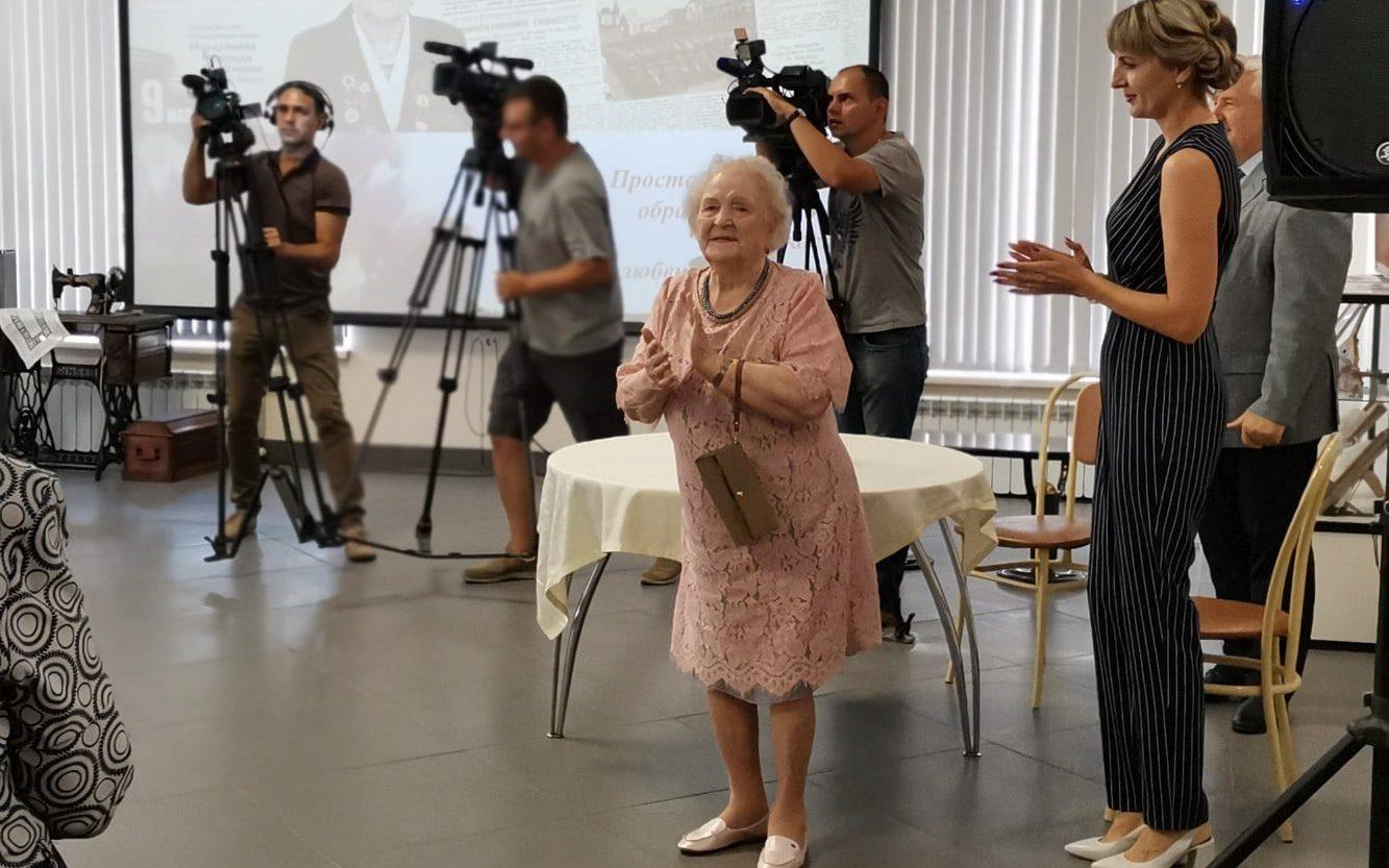 Волонтеры Победы передали поздравления со 102-летием участнице Великой Отечественной войны Надежде Мордовцевой