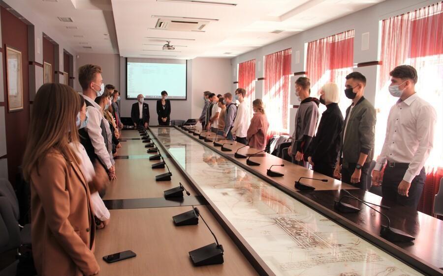 В Алтайском филиале РАНХиГС почтили память жертв теракта в Беслане