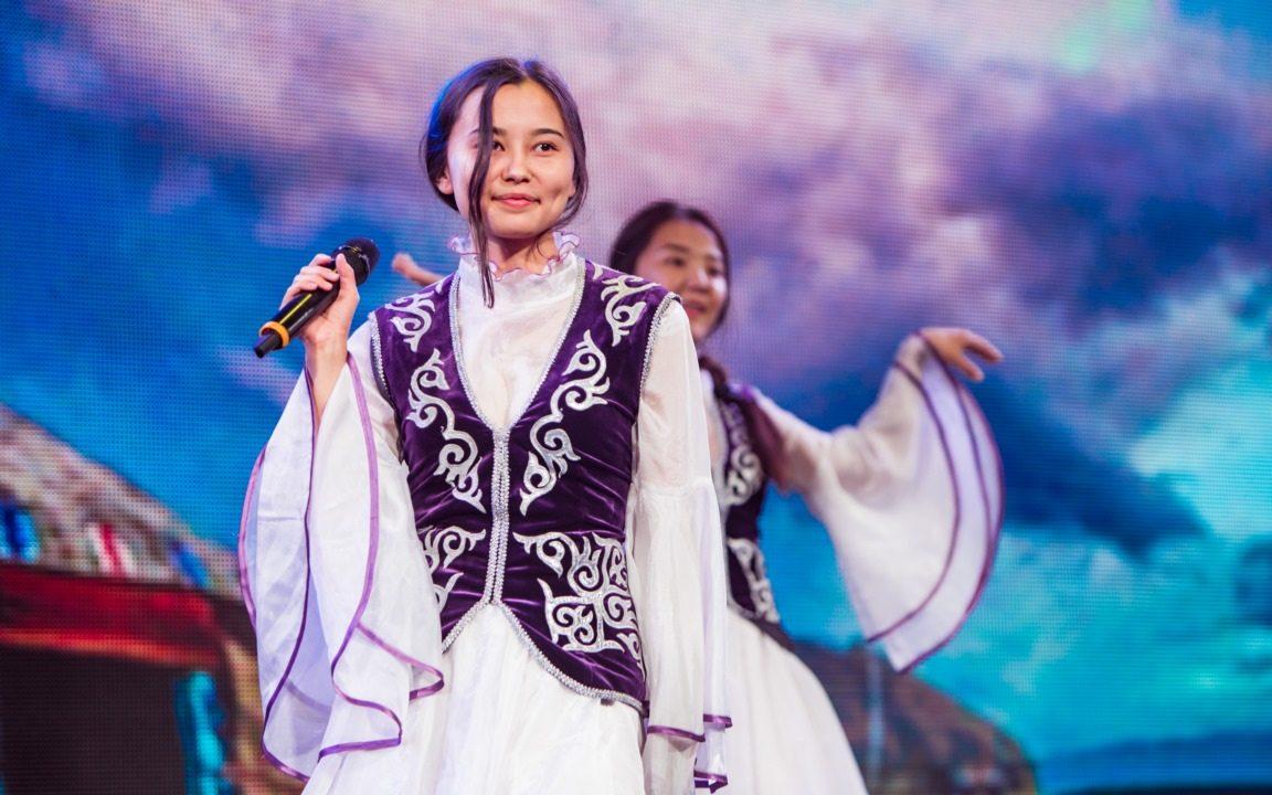 Алтайскую молодежь приглашают поучаствовать в федеральных конкурсах по сохранению родных языков народов РФ